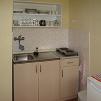 Fully Fitted Kitchenette
